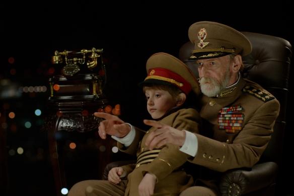 """Kadr z filmu """"Prezydent"""" (reż. Mohsen Makhmalbaf)"""
