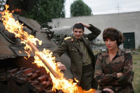 """Kadr z filmu """"Nie obchodzi mnie, czy przejdziemy do historii jako barbarzyńcy"""""""