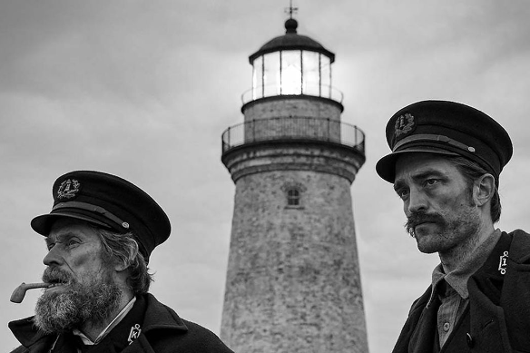 "Kadr z filmu ""The Lighthouse"""